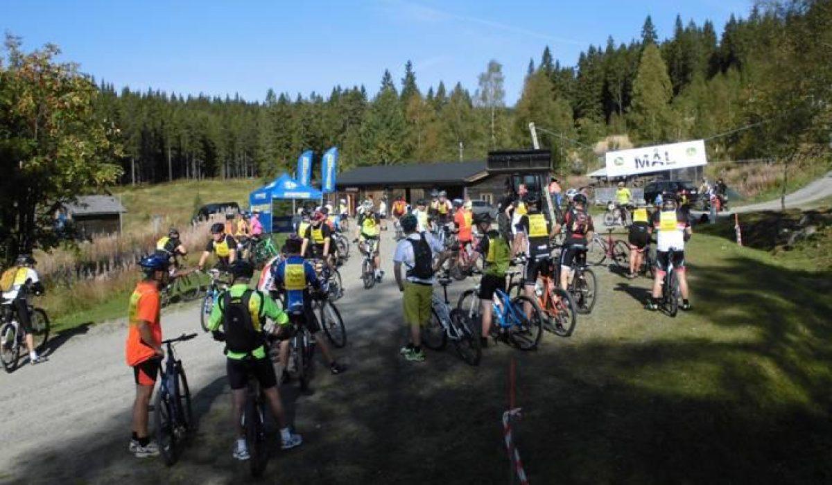 Cyklister vid målområdet